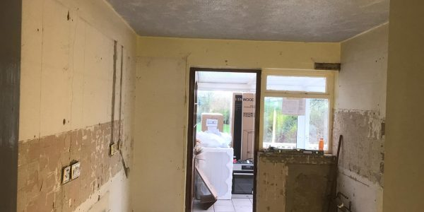 Kitchen and Tiling nglesey